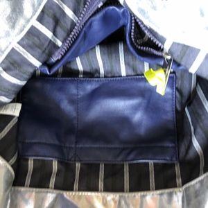Lululemon Bags - Lululemon Mantra tote Metallic Silver Gym bag